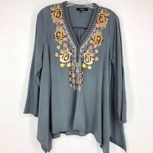 Andree Embroidered Floral Blouse Size Medium